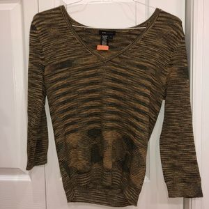 BCBG MAXAZRIA 3/4 sleeve sweater
